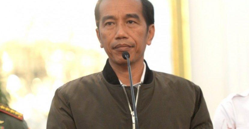 presiden-joko-widodo-mengenakan-jaket-bergaya-bomber-pada-konferensi-_161107140649-184