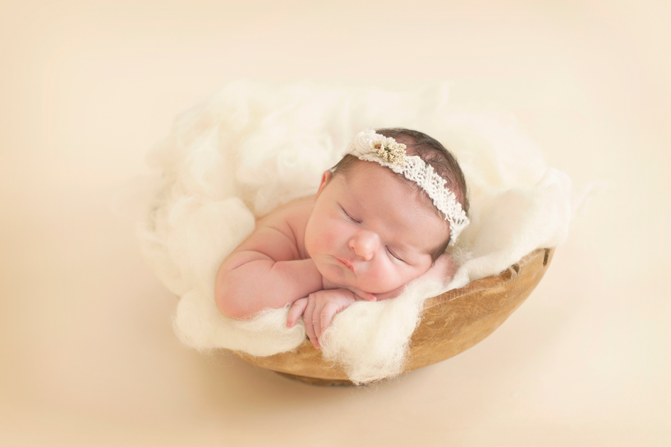 Https www studiolifephotography co uk wp content uploads 2015 09 xnewborn baby photography studio life photograhers edinburgh 50 jpg pagespeed ic
