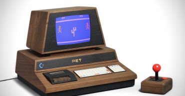 Love-Hulten-Pet-De-Lux-Retro-Console-00